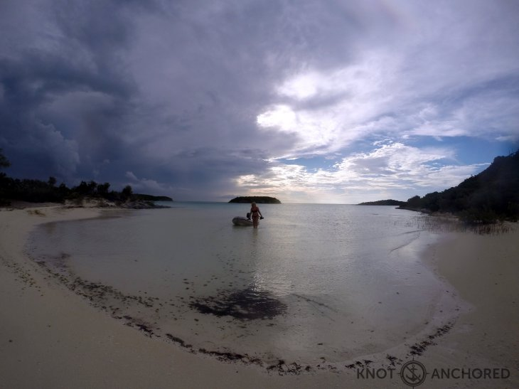 Island World Bay