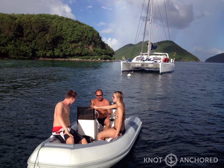 catamaran-dinghy-