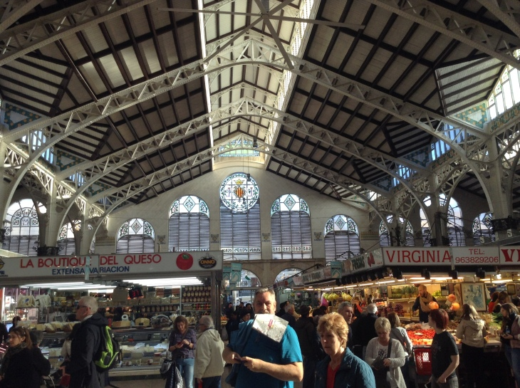 crowded-market-Valencia-Spain