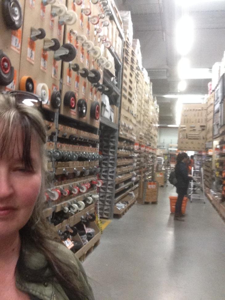 hardware-aisle-store-valencia-spain
